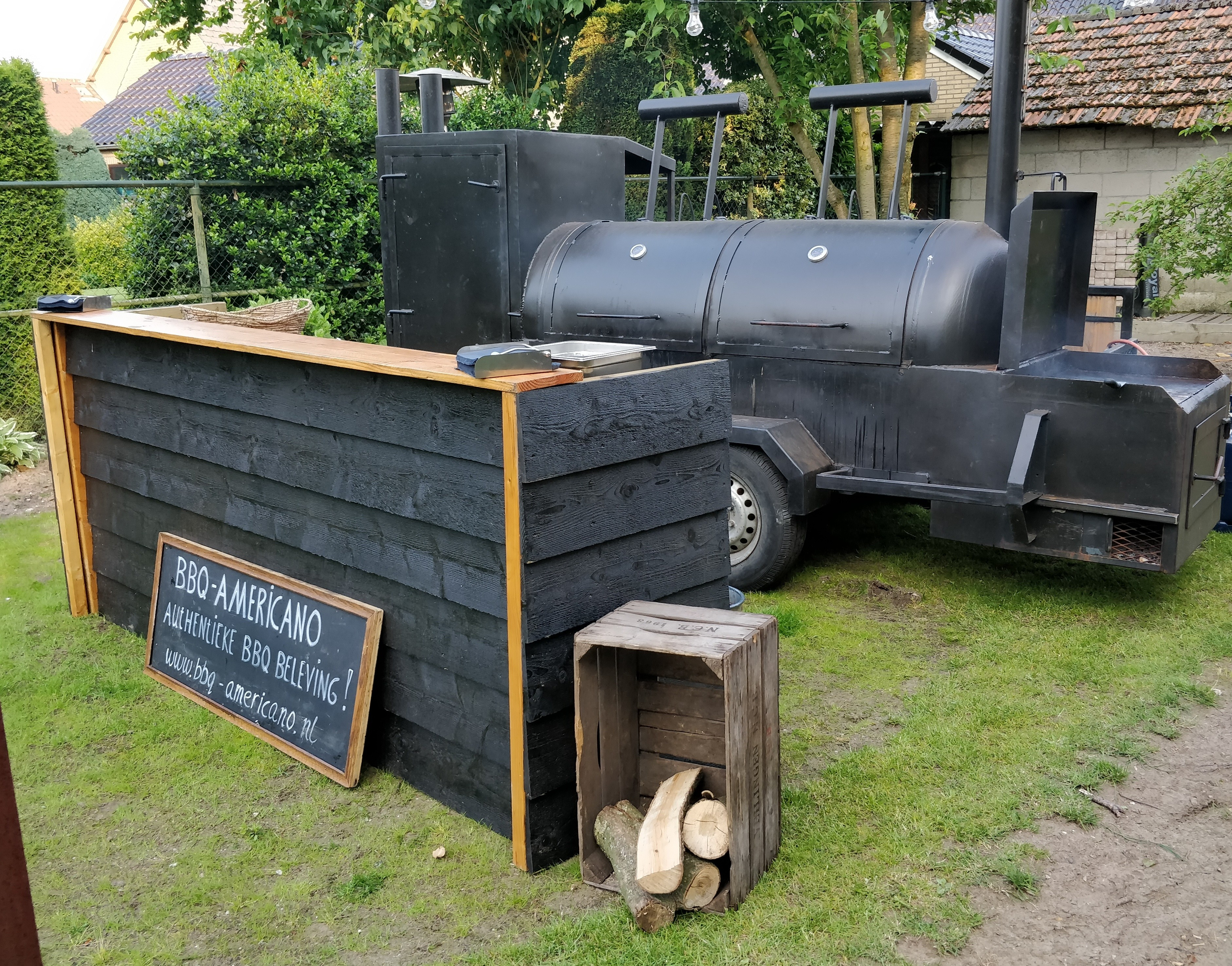 De bar en smoker van BBQ Americano